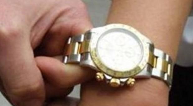 Pesaro, assalita nel garage per strapparle il Rolex: presi dopo sei mesi i due rapinatori