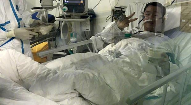 Coronavirus, medico eroe rinvia il matrimonio per curare i pazienti infetti e muore a 29 anni