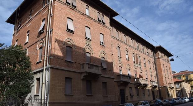 Ancona, l'inquilino non paga le bollette: uffici comunali e case sociali restano senza gas