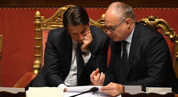 Il premier Conte e il ministro Gualtieri