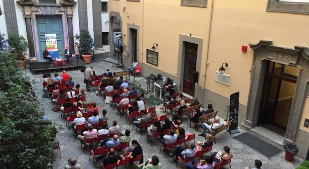 Indianata, sedute spiritiche, Museo Archeologico Mann invaso per due sere. Che succede a Napoli? Tutta colpa dei libri
