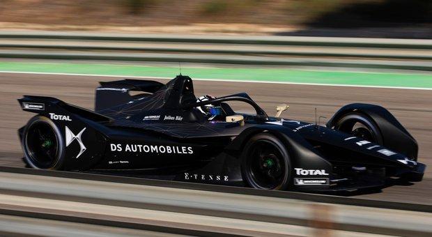 La monoposto elettrica del binomio DS-Techeetah che prenderà il via nella stagione 5 della Formula E