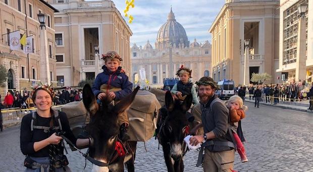 Bordeaux-Roma a piedi con due asini: otto mesi in viaggio per vedere il Papa