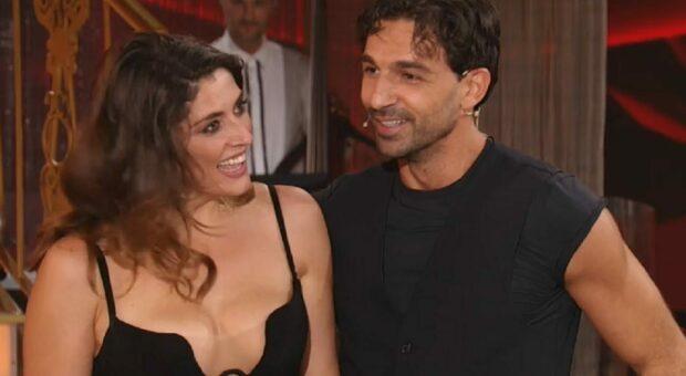 Ballando con le Stelle, Elisa Isoardi senza Raimondo Todaro. «Ricoverato in ospedale, sarà operato»