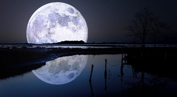 Sta arrivando la Luna Rosa, potremo vederla il 19 aprile