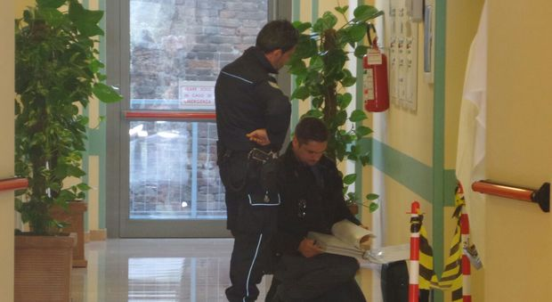 La polizia penitenziaria dentro l'ospedale