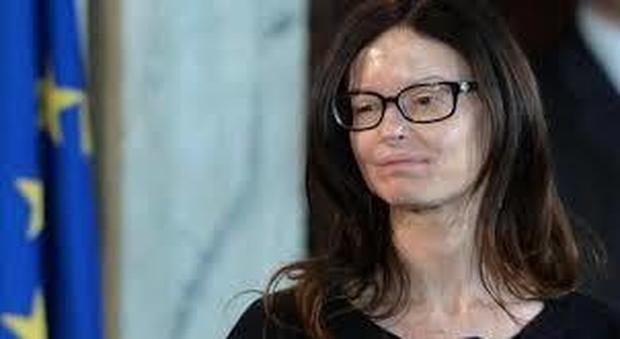 Insulti choc a Lucia Annibali, su Facebook si inneggia a chi l'ha sfigurata: «Varani un mito»