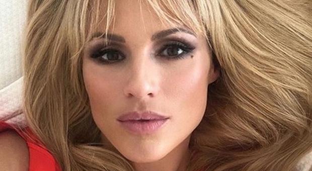 Michelle Hunziker e gli abusi subiti: «Un uomo mi ha picchiata, i miei mariti non c'entrano»