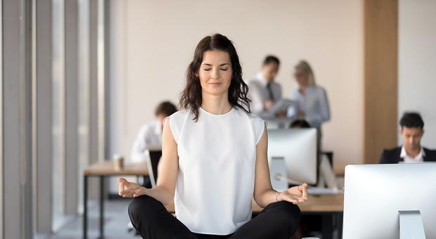 Come essere più felici sul lavoro e nella vita privata: i 5 consigli degli esperti