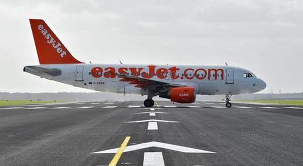 Malore per un pilota Easyjet, atterraggio d'emergenza a Venezia