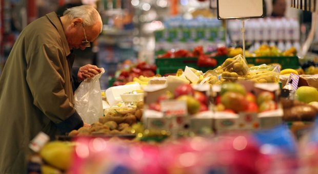 Istat, cresce il reddito delle famiglie: quello dei ricchi è di oltre sei volte quello dei poveri
