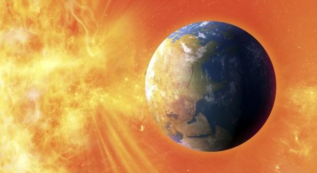 Disturbi alle trasmissioni radio e spettacolari aurore: si scatena la tempesta magnetica solare