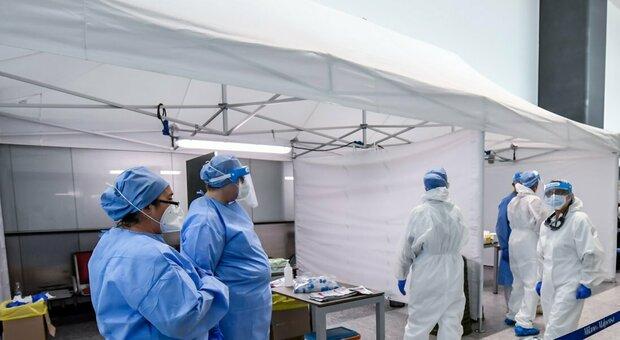 Coronavirus, allarme rosso nelle Marche per i casi di rientro: 61 nuovi positivi, 30 nel Fermano