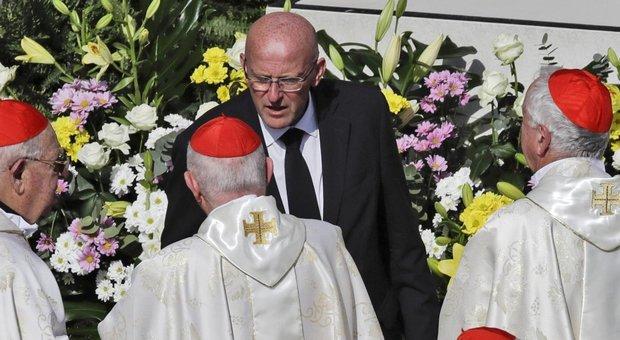 Il Papa accetta le dimissioni del capo della Gendarmeria Giani per le foto segnaletiche