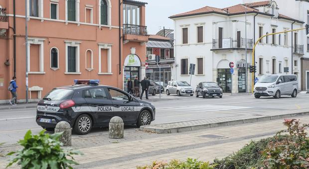 Polizia locale di Padova, bufera sui nuovi turni di lavoro: i sindacati minacciano lo sciopero