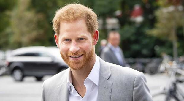 «Chiamatemi solo Harry», il principe accelera lo strappo da Buckingham Palace