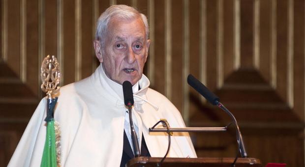 Guido Montesi nell'Aula magna del Bo nella divisa di governatore dell'Ordine dei Padovani Eccellenti