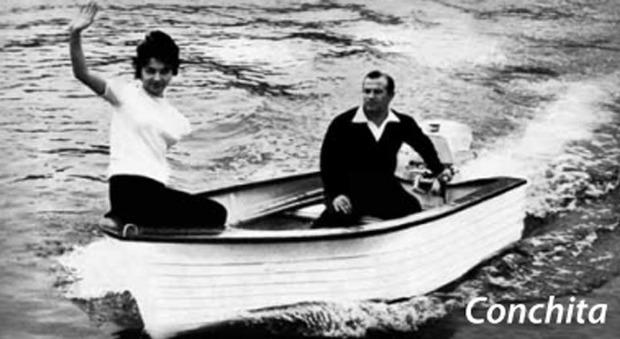 Una foto d'epoca della Fiart Conchita, la prima barca in vetroresina