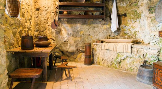 Credenza Rustica Da Taverna : Come arredare la taverna soluzioni calde e accoglienti