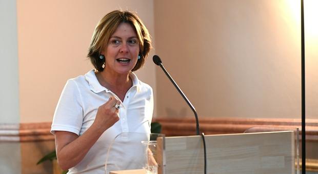 Vaccini, Aifa: «Nessuna morte fra 2014 e 2015». Bergamo, bombe carta con chiodi anti Lorenzin