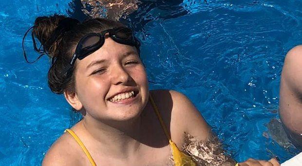 Tumore, muore a 14 anni per una rara forma della malattia al cervello: l'amica aveva trovato i soldi per curarla