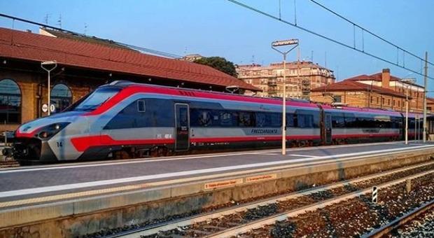 Donna accoltellata su Frecciarossa Torino-Roma, è grave: fermato l'aggressore