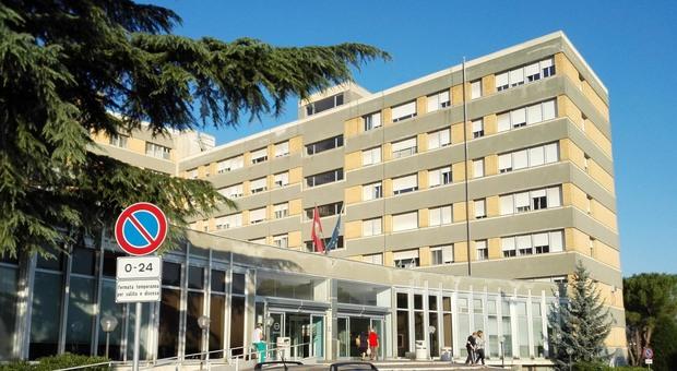 Rischio tubercolosi, paziente isolato all'ospedale di Teramo
