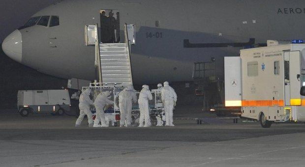 Coronavirus, la Russia chiude i confini con la Cina. Italiani, domani arrivo a Pratica di Mare