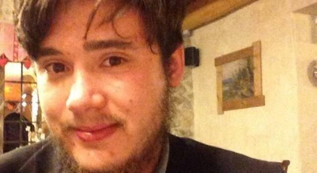 Si fa iniettare la prima dose da un amico: Federico Bertollo muore a 23 anni