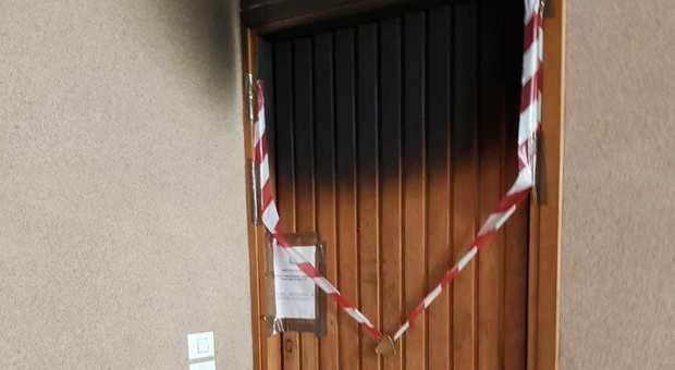 Uccide il marito dandogli fuoco a Rieti davanti ai figli: arrestata in ospedale, sgomberato il palazzo