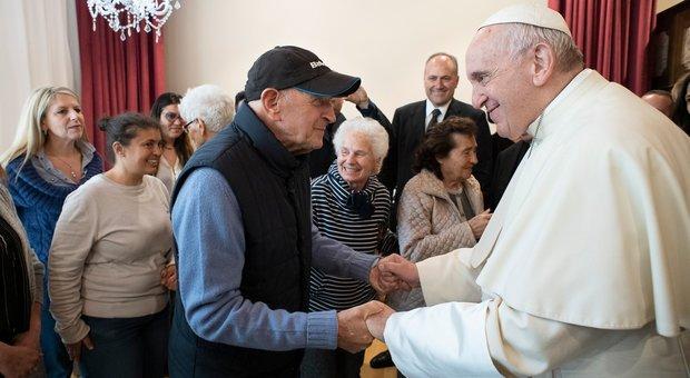 Papa Francesco incoraggia le donazioni per i trapianti di organi, dalla morte nasce la vita