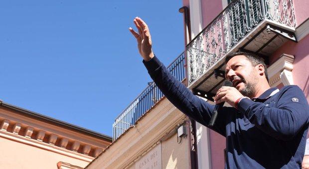 Salvini: «Flat tax nel 2019 ai lavoratori dipendenti. Io fascista? Che noia»