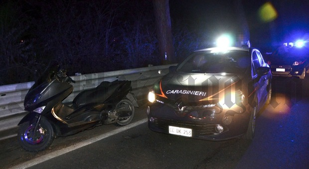 Il maxi scooter sequestrato dai carabinieri dopo l'inseguimento