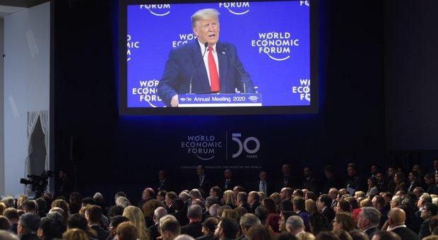 Davos, Trump: «Ambientalisti profeti di sventura». Greta: «Clima, non è cambiato nulla»