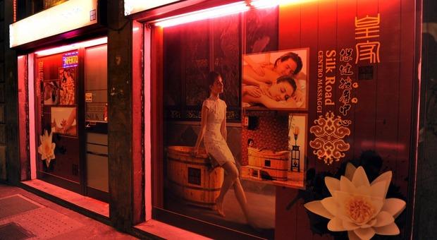 Roma, gestiva un centro massaggi a luci rosse: in manette una 34enne cinese