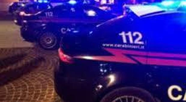 Carabinieri feriti a Bologna durante un'operazione antidroga: aggrediti da due magrebini