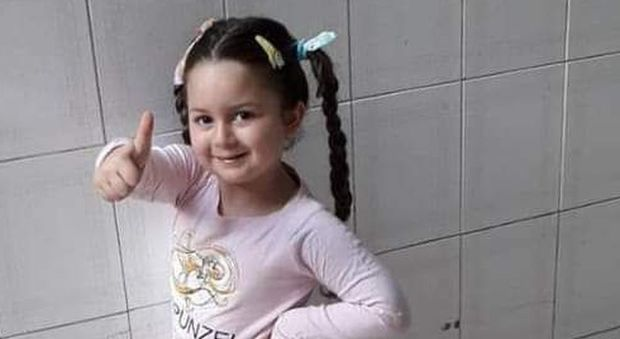 Miriam, la ballerina morta a 5 anni. Il dolore del cugino: «Polpetta mia, verrò in paradiso a vederti danzare»