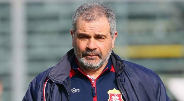L'allenatore Giovanni Pagliari nel 2017 con l'Ancona