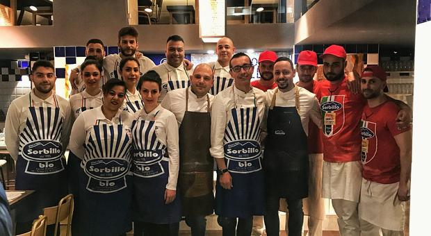 Il team della pizzeria Sorbillo