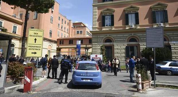 Neonata muore per infezione nel Policlinico Umberto I di Roma, i genitori: «L'ha presa in ospedale»