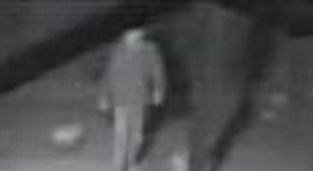 Muore a 38 anni mentre fa visita alla moglie e al figlio in ospedale a Pistoia