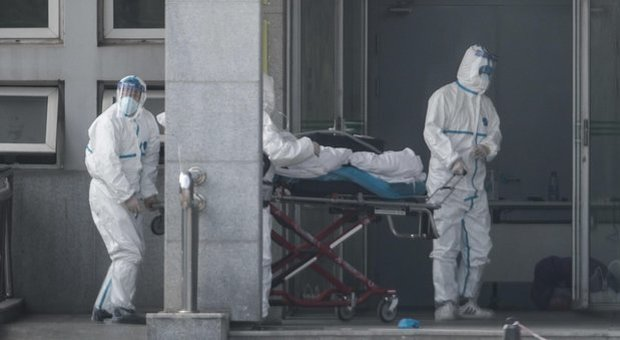 Virus misterioso cinese, Pregliasco: «I cinesi dicono poco, possibili casi anche in Italia»