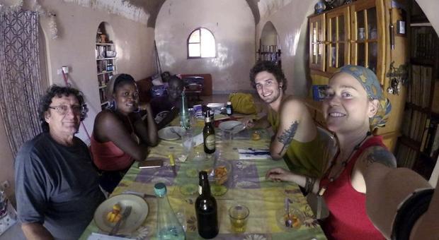 Edith e Luca a pranzo a casa di Robert