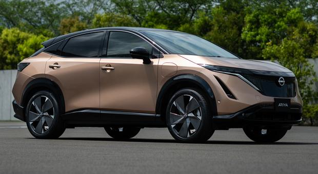 La Nissan Ariya, il nuovo crossover elettrico di Nissan ha uno stile essenziale ma dinamico