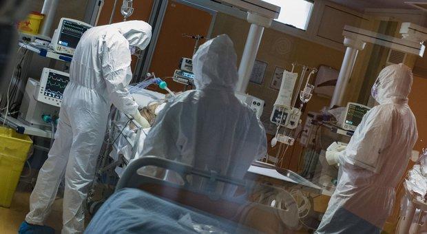 Coronavirus, quando finisce l'epidemia? Il professor Agostini: «Non prima di giugno»