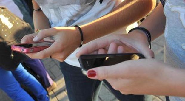 Roma, suicida a 13 anni, l'ombra dei cyberbulli