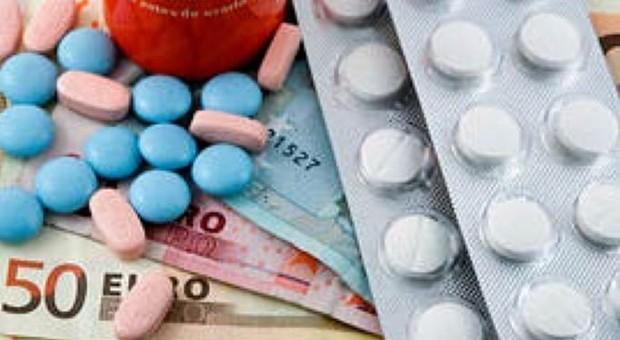 Farmaci, allarme vendite on line: 500 siti chiusi