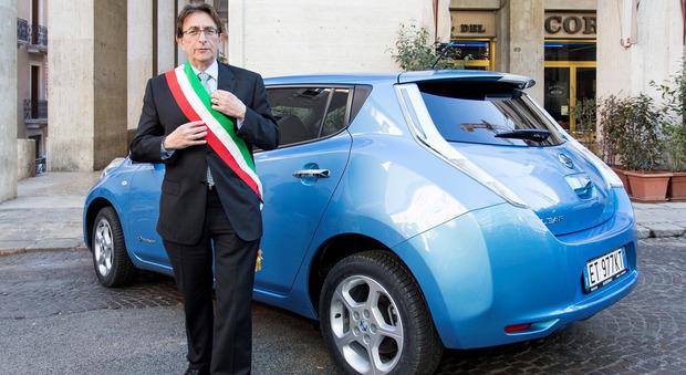 Il sindaco ha aderito al programma di sensibilizzazione ambientale promosso da Nissan e volto alla riduzione delle emissioni di CO2