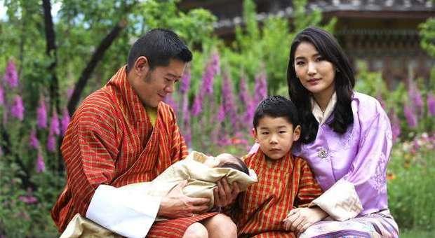 La regina del Bhutan, la più giovane del mondo, oggi compie 30 anni. É la Kate Middleton dell'Himalaya