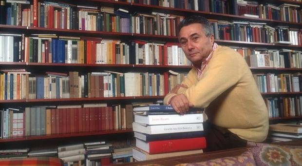 Morto Alberto Arbasino, aveva 90 anni: protagonista della cultura del Novecento. Il boom con Fratelli d'Italia